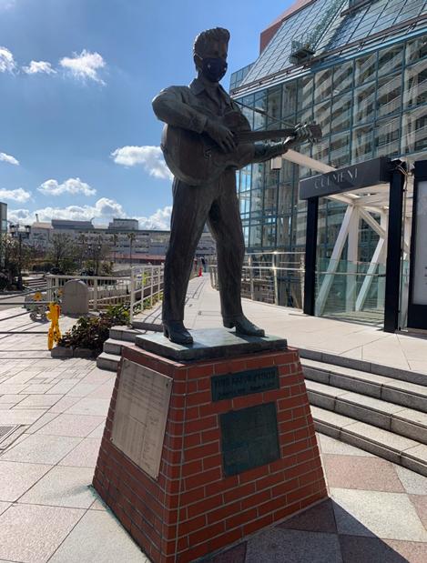 エルヴィス・プレスリーの銅像