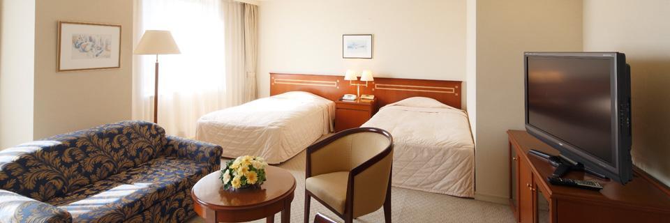 ホテルクラウンパレス小倉の客室「デラックスツイン」の写真