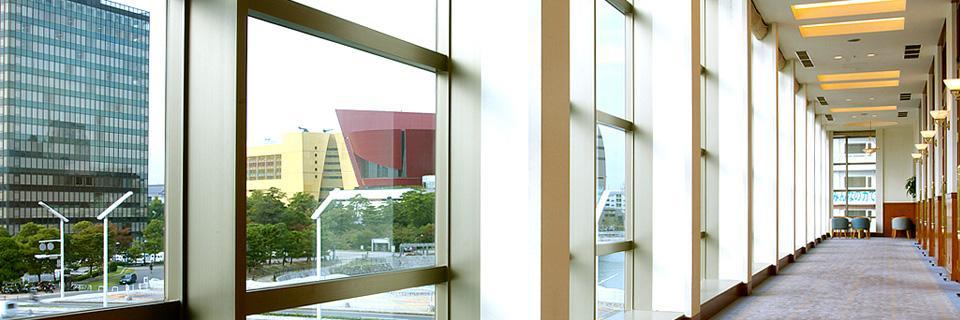 ホテルクラウンパレス小倉の廊下の写真