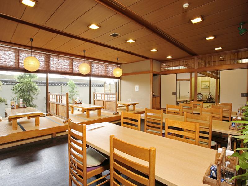 八代グランドホテルの割烹・お食事処「希望ヶ岡」店内写真