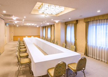 八代グランドホテルの会議室「夕葉・白百合」口の字形式